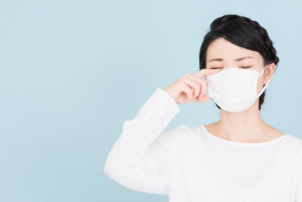 """花粉症の時期にまつ毛パーマ/まつ毛エクステを控える人は約80%  """"花粉症""""の時期こそ「まつ毛美容液」を!"""
