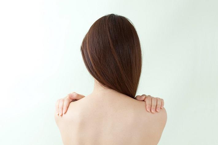 """頑固な粉ふきやかさつき。肌乾燥の最大の原因は""""長風呂""""に..."""