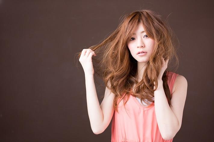 この時期ひどくなる「髪のパサつき」や「静電気」を予防する...
