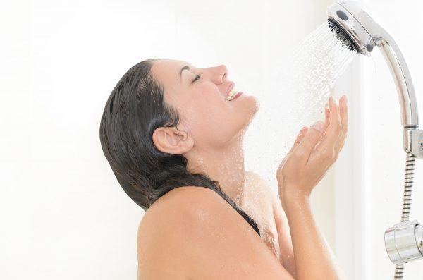 シャワーで流す