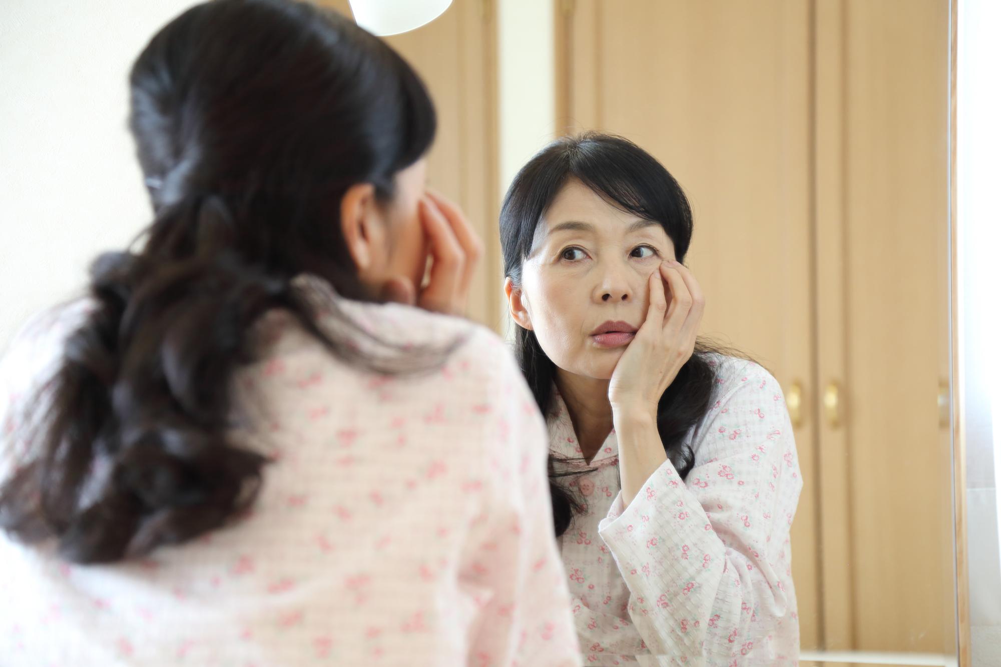 50代から急増する、顔面骨粗しょう症を検証