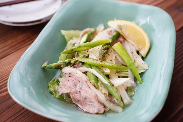 4分加熱で完成! 豚肉と春野菜の蒸しものエスニック風