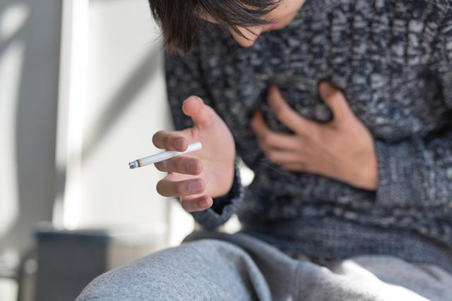 男性のがん死亡数第一位、肺がんになりやすい人の特徴は?